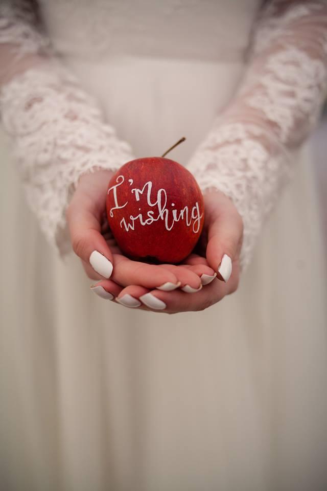 https://tietheknotwedding.co.uk/listings/spectacular-scenes-limited-bespoke-wedding-stylists