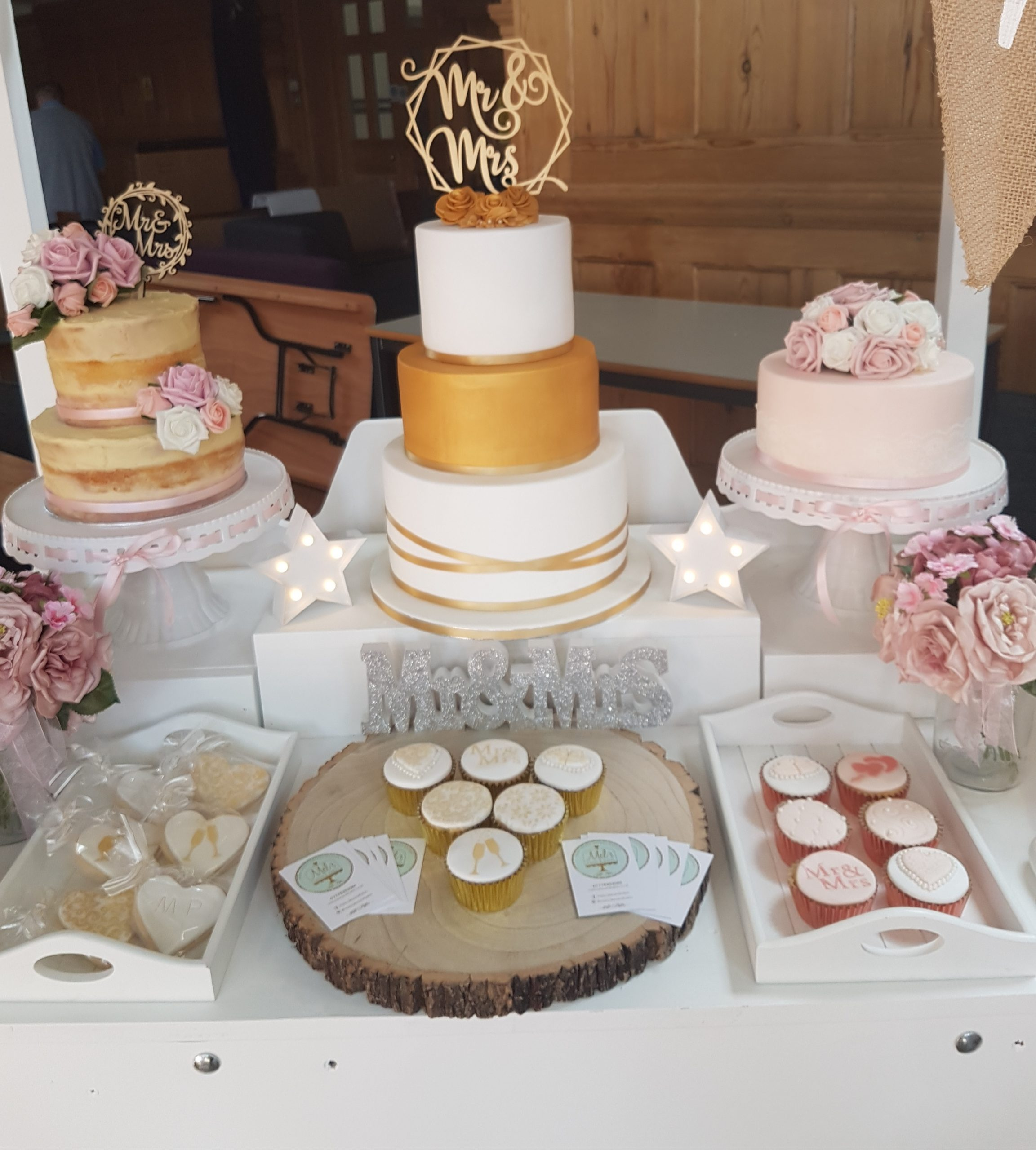 https://tietheknotwedding.co.uk/listings/mels-cakes-and-bakes-2