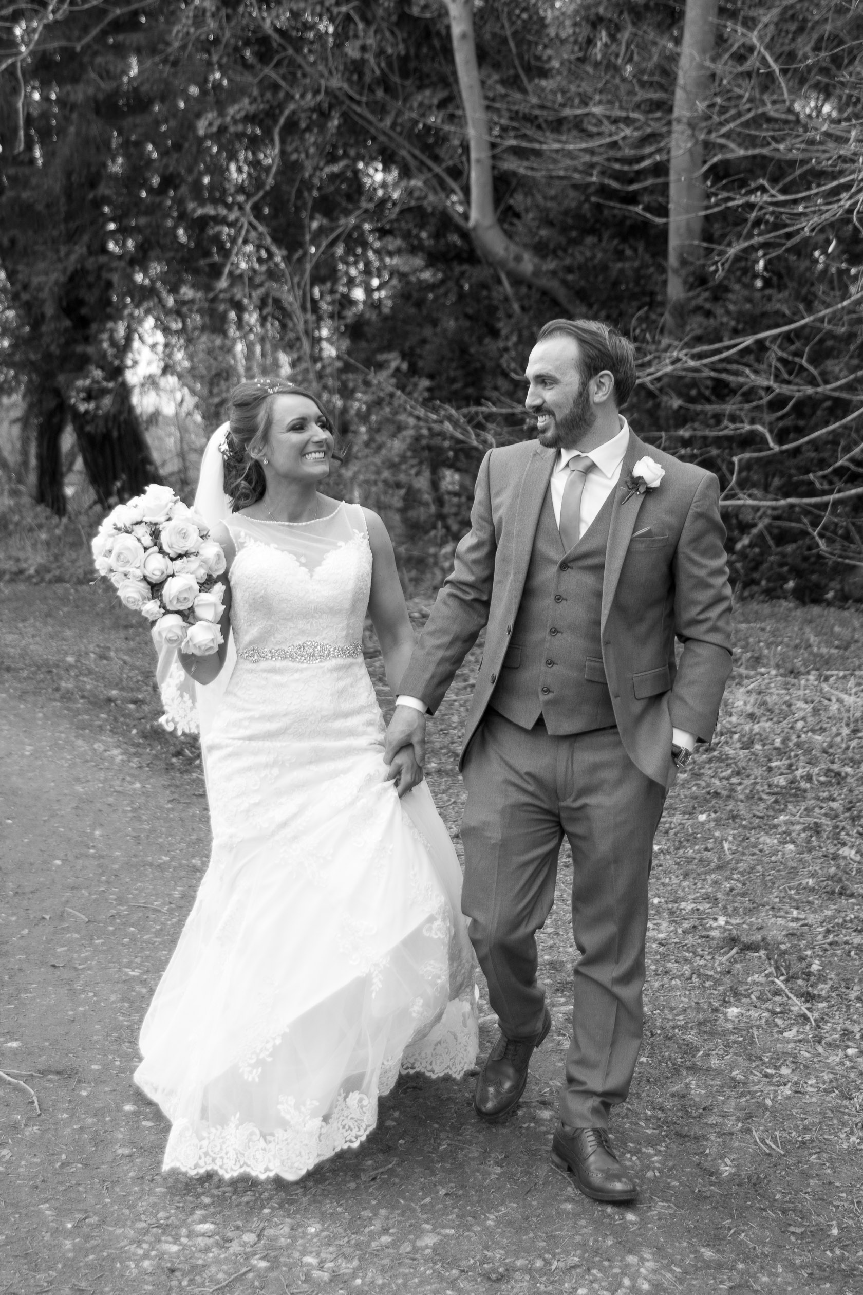 https://tietheknotwedding.co.uk/listings/miss